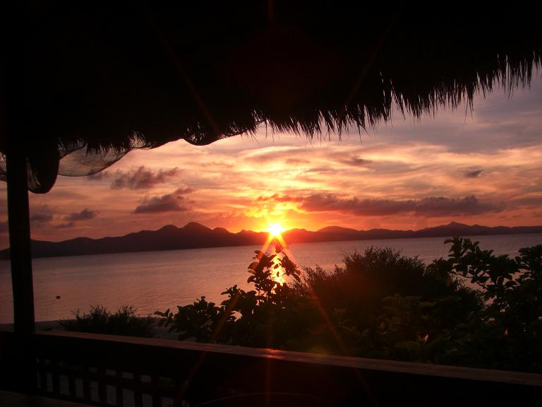 Sunset as seen from Banana Island in Coron, Palawan (Ching Dee / PCI)