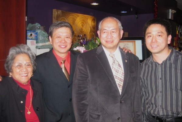 Trustee Garry with Sir George and Lady Dolly and Ya Mi, owner of Gourmet Malaysia (right photo).