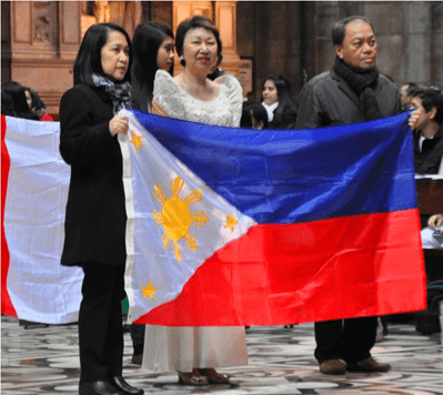 Consul General Lourdes Tabamo leads the entrance procession with Ms. Thelma Venturanza and Mr. Arnaldo Mahor of the Philippine Consulate in Milan.