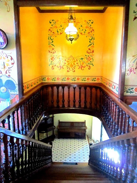 Villavicencio 1870 Wedding Gift House's main staircase. Photo by author.
