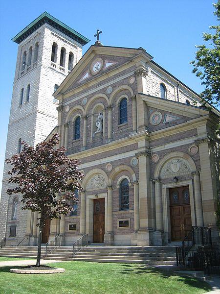 St. Paul's Basilica by SimonP/ CC BY-SA 3.0
