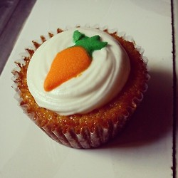 Carrot Cupcakes / Ching Dee