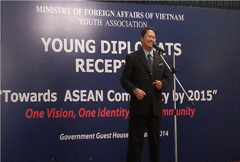 Philippine Ambassador to Vietnam Jerril G. Santos while delivering his Keynote Speech during the ASEAN Young Diplomats' Reception.