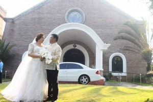 """Pork scam lawyer Levito Baligod marries Marilou """"Malot"""" Veloso-Galenzoga / Photo from Marilou Galenzoga's official Facebook page"""