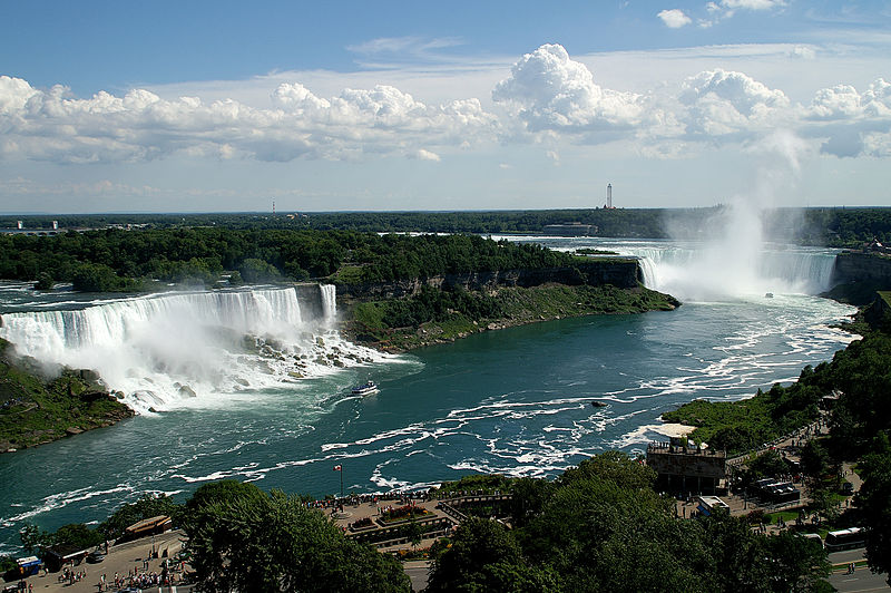 A view of the Niagara Falls from the Sheraton Fallsview Hotel/ Photo by Saffron Blaze/ CC BY-SA 3.0