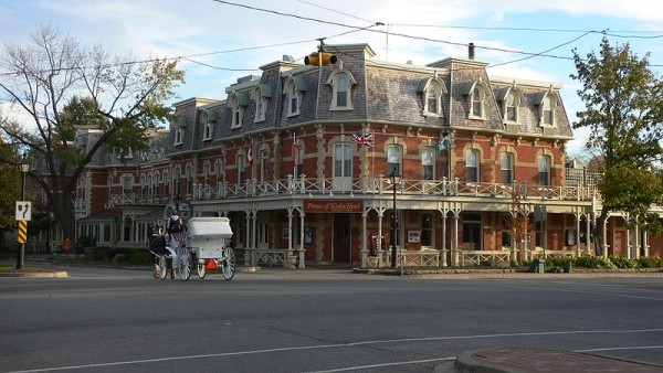 Hotel Prince of Wales in Niagara-on-the-Lake, Photo by Philipp Hienstorfer, CC BY-SA 3.0