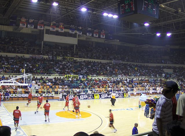 Kings versus the Beermen at the Cuneta Astrodome (Wikipedia photo)