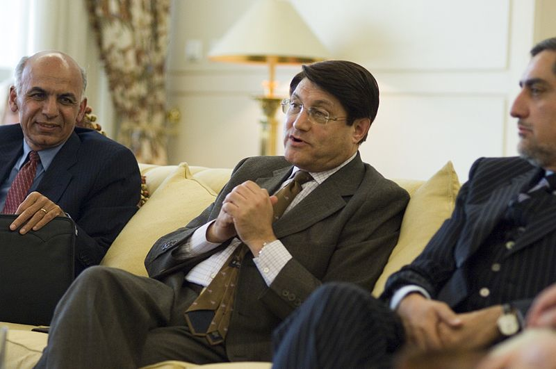 From left to right: Ashraf Ghani Ahmadzai, Anwar ul-Haq Ahadi, Abdullah Abdullah. Photo from U.S Embassy Kabul Afghanistan / Wikimedia Commons.