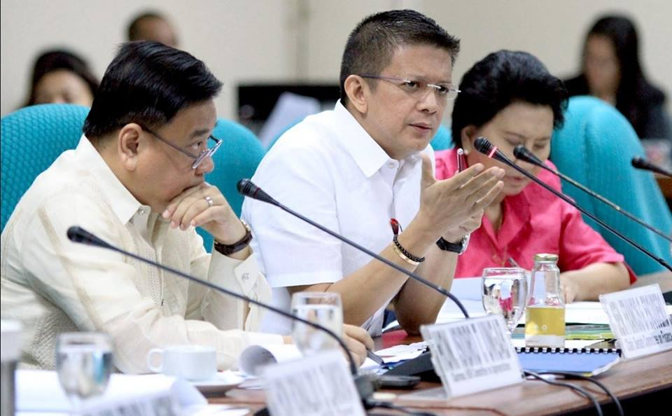 Sen. Francis 'Chiz' Escudero, chair of the Senate Finance Committee (center). Albert Calvelo / PRIB / Chiz Escudero's Facebook page