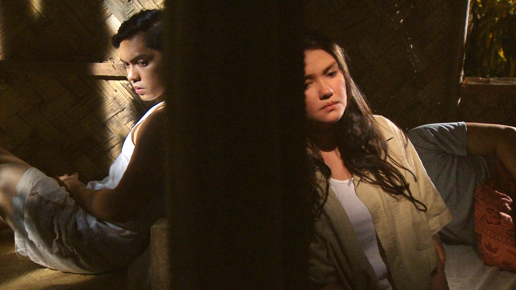 Ex-couple Angelica Panganiban and Carlo Aquino are reunited in an upcoming 'MMK' episode.
