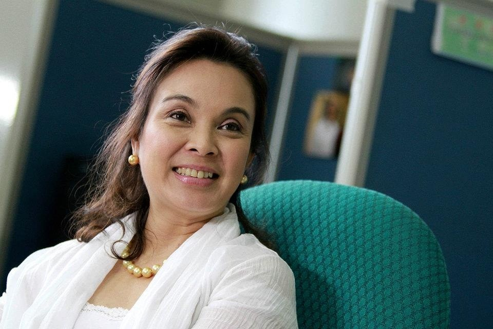 An exasperated Sen. Loren Legarda questioned telecommunication companies about the slow and expensive internet connections. Photo from Legarda's official Facebook page.