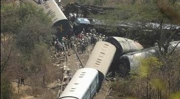 Train accident in India. Photo courtesy of @getinsideindia / Twitter