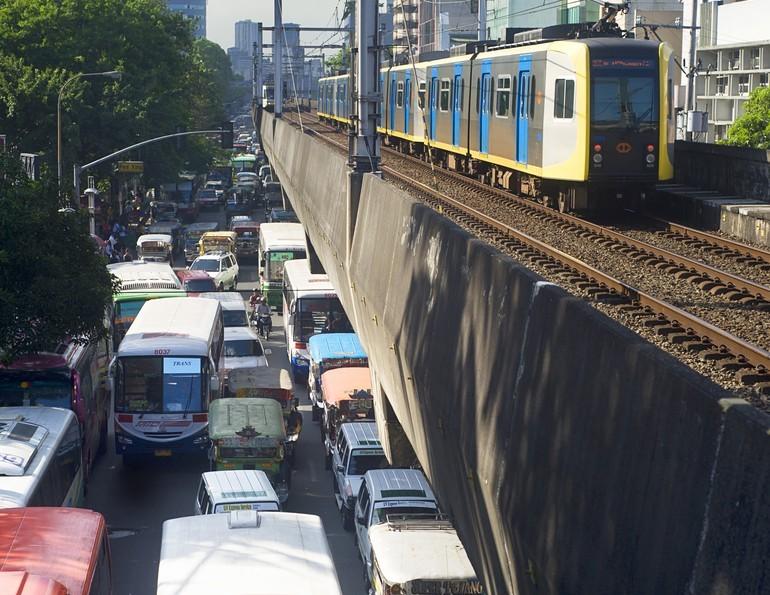 Manila traffic (Joyfull / Shutterstock)