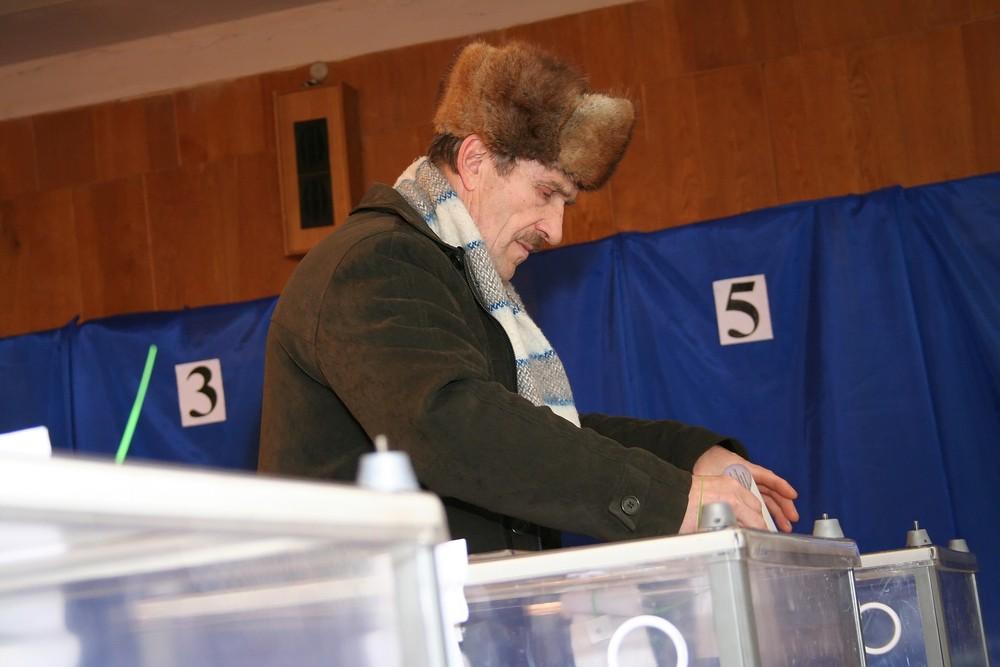 FILE PHOTO Election of President of Ukraine at one of the polling stations on Feb. 7, 2010 in Kiev, Ukraine. Telekhovskyi / Shutterstock