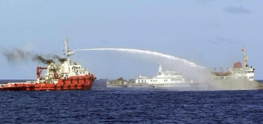 China fires a water canon at a Vietnamese vessel (FILE PHOTO / screenshot from YouTube footage)