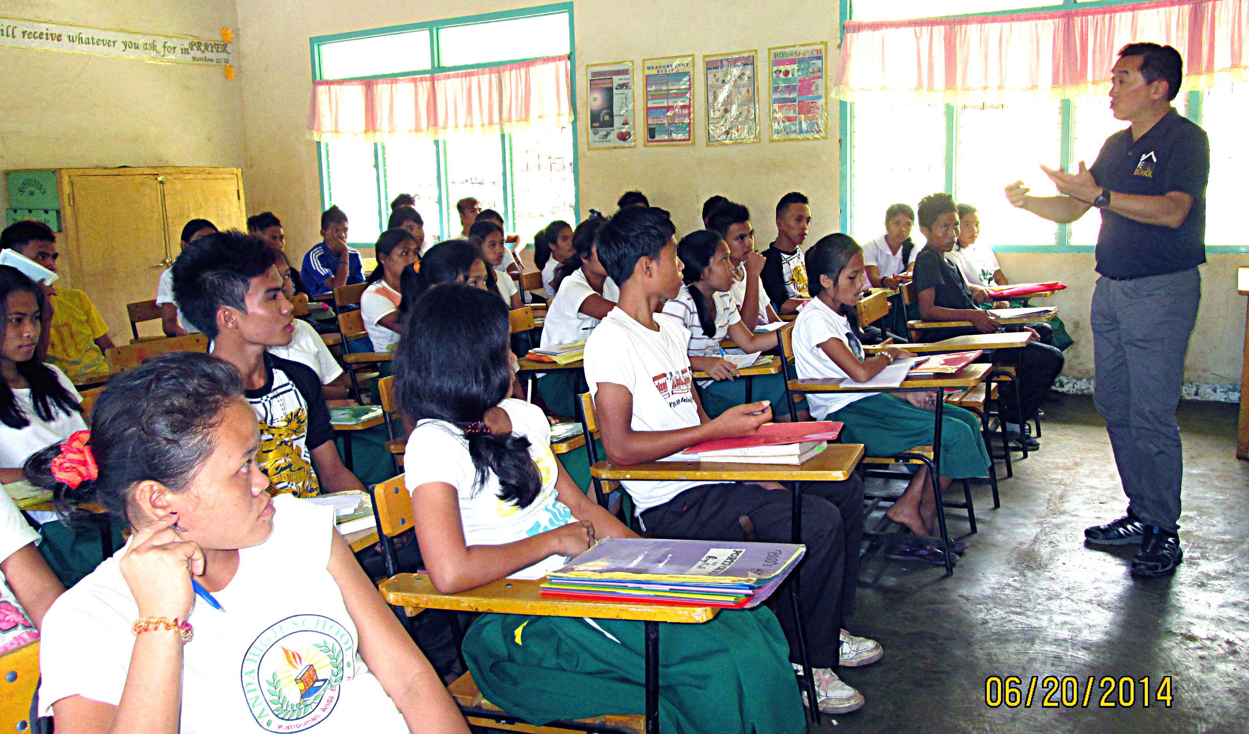 FILE: Students of Anda High School in Barangay Katipunan, Anda town,  Bohol. (PNA photo)