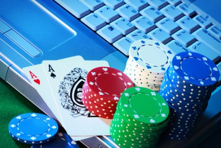 Should online gambling the Philippines be regulated? Photo courtesy of CasinoCheers.com