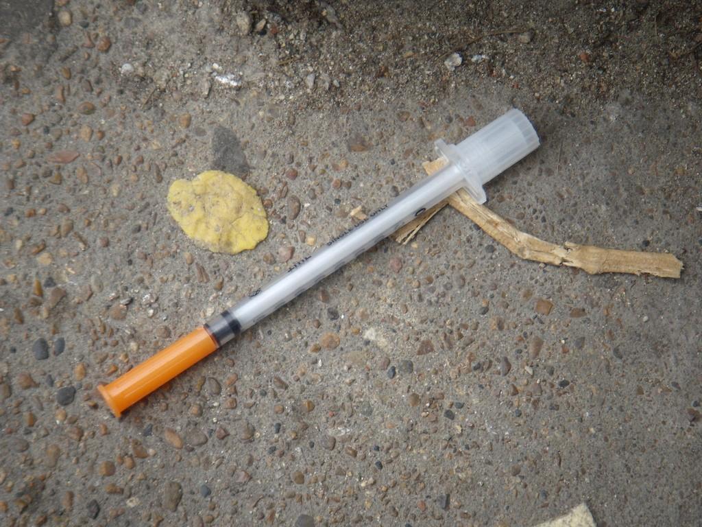 Heroin needle. Photo by richiec / Wikimedia Commons.