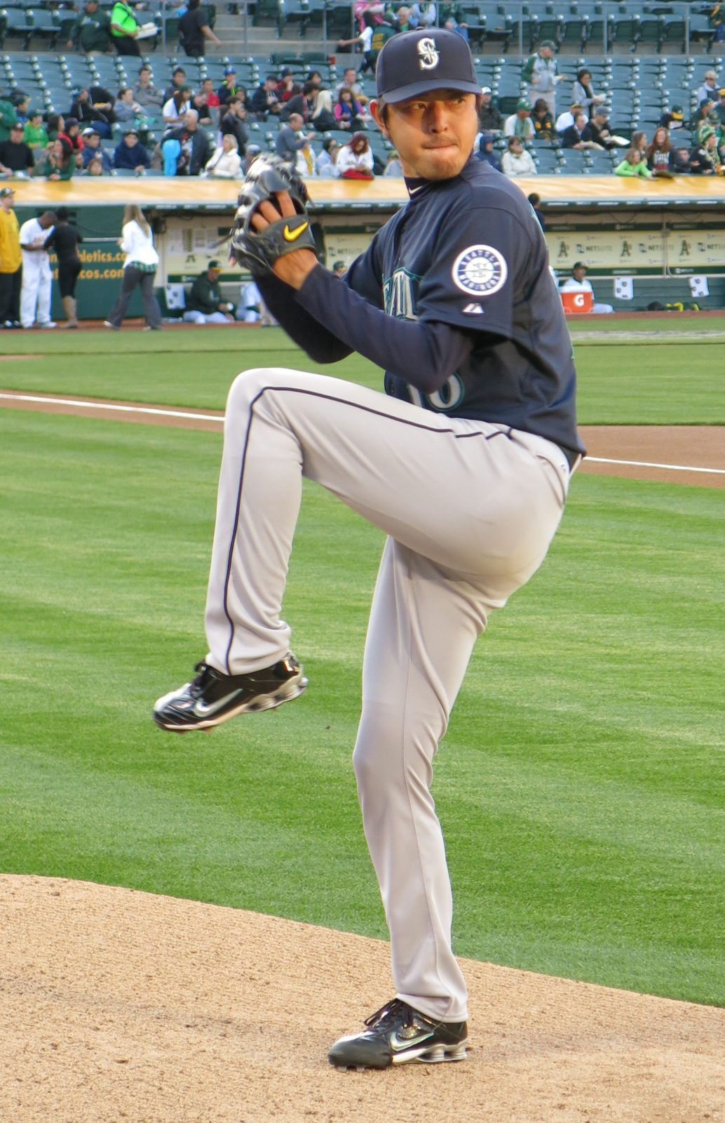 Hisashi Iwakuma. Photo by LiAnna Davis / Wikimedia Commons.