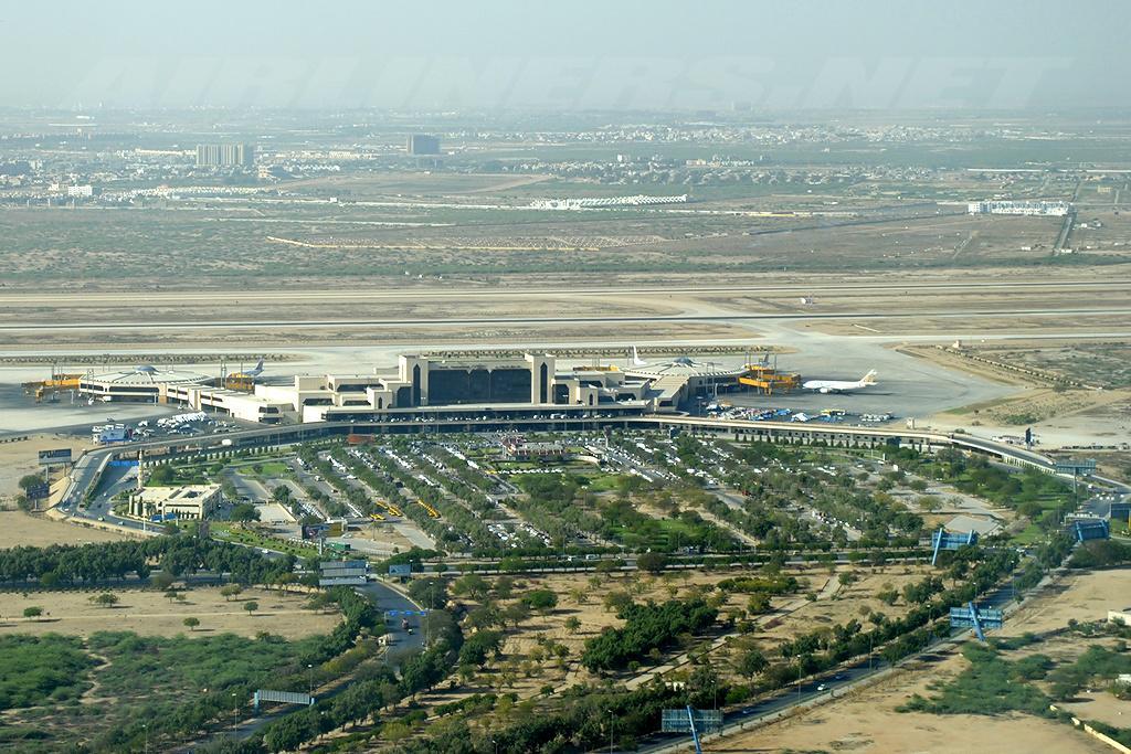 Bird's-eye view of Jinnah International Airport in Karachi, Pakistan. Photo by Asuspine / Wikimedia Commons.