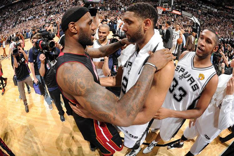 Sportsmanship in the NBA (NBAE / Getty Images via SA Spurs Facebook page)