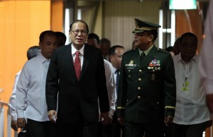 President Benigno S. Aquino III is escorted by AFP Vice Chief of staff Lieutenant General Gregorio Pio Catapang Jr. during the President's arrival at the Ninoy Aquino International Airport (NAIA) Terminal II on Tuesday night (June 24, 2014) after attending the Summit Meeting & Working Lunch with Japan Prime Minister Shinzo Abe in Tokyo. The President also attended the Consolidation for Peace for Mindanao Conference in Hiroshima organized by the Japan International Cooperation Agency (JICA) and the Research and Education for Peace of the Universiti Sains Malaysia. (Photo by Robert Viñas/ Malacañang Photo Bureau/PNA)