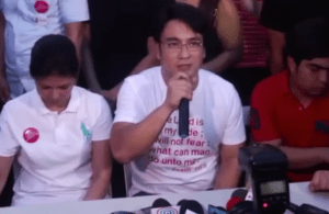 Sen. Ramon 'Bong' Revilla Jr. with wife Lani Mercado face the public on the night before he surrenders to PNP. Screenshot of Solar News footage.