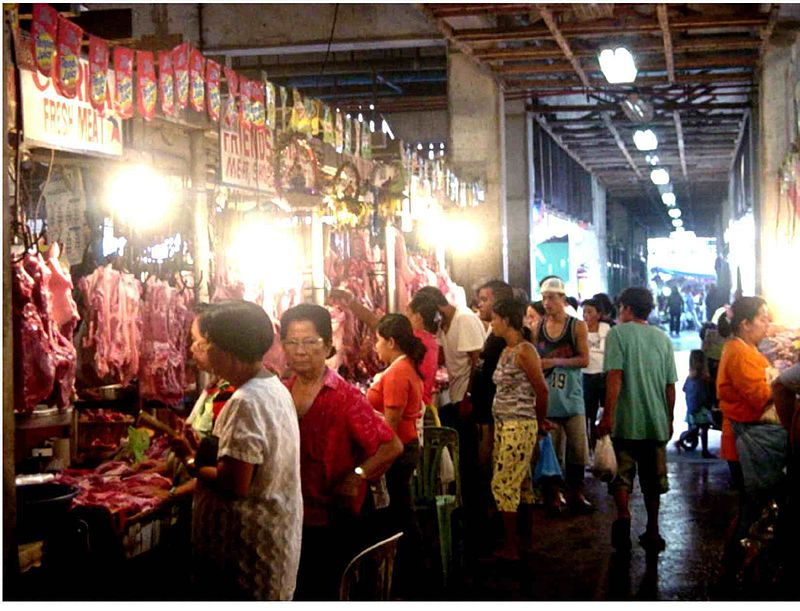 Typical market scene in the Philippines (Hulagway via Flickr / Wikipedia)