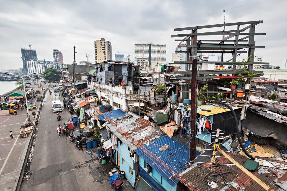 Metro Manila slums (Saiko3p/Shutterstock)