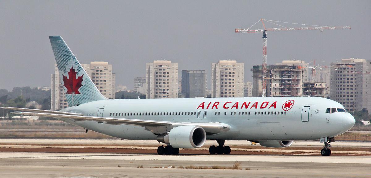 Air Canada 767-300ER in Tel Aviv-Ben Gurion Airport. Photo by Raimond Spekking / Wikimedia Commons.