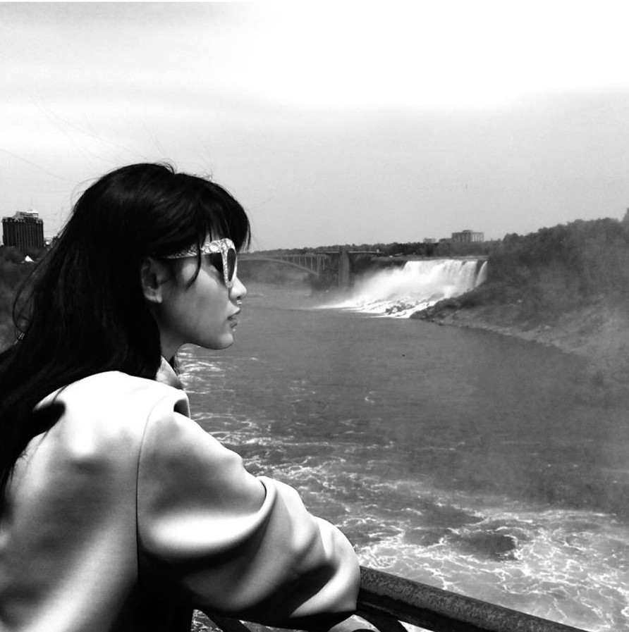 Jodilly in Niagara Falls, Ontario/ Photo from Jodilly Pendre's Instagram