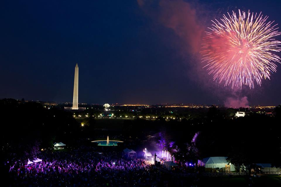 HAPPY 4TH OF JULY, USA! Photo courtesy of US Pres. Barack Obama's official Facebook page.