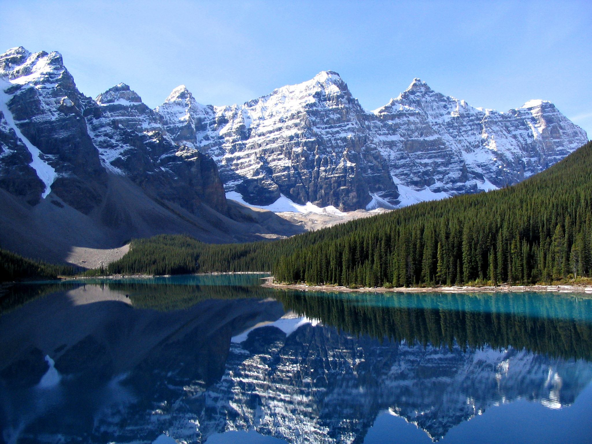 Valley of the Ten Peaks and Moraine Lake, Banff National Park, Canada. Photo by Gorgo / Wikimedia Commons.