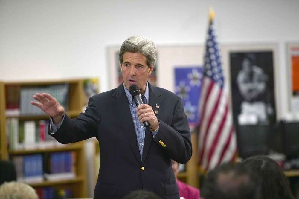 U.S. Senator John Kerry (spirit of america / Shutterstock)
