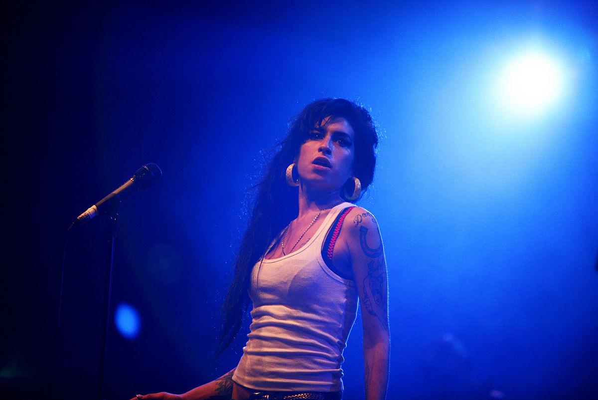 Amy Winehouse. Photo by Rama / Wikimedia Commons.