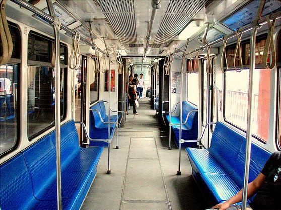 MRT interiors. ( Jun Acullador / Flickr)