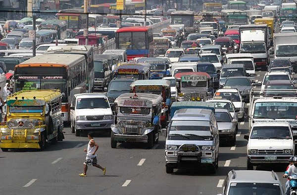 Manila traffic  (Photo courtesy of PanoBaMagBlog on WordPress)