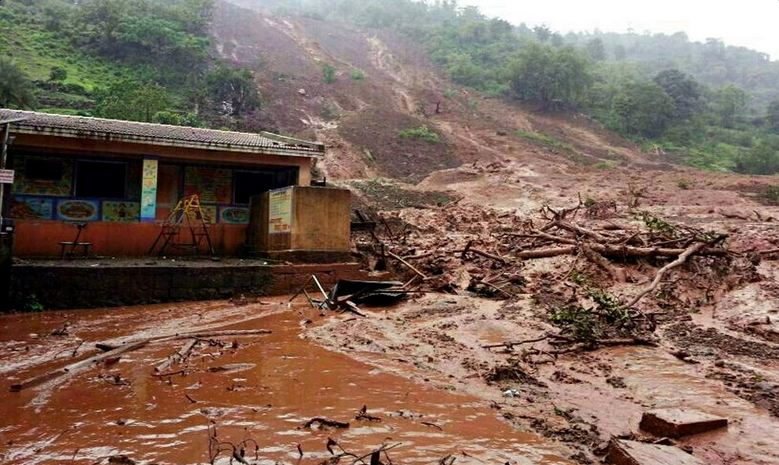 Tragic mudslide in western India claimed 41 lives so far. Photo courtesy of News Views People (@TheCampaignPage) on Twitter.