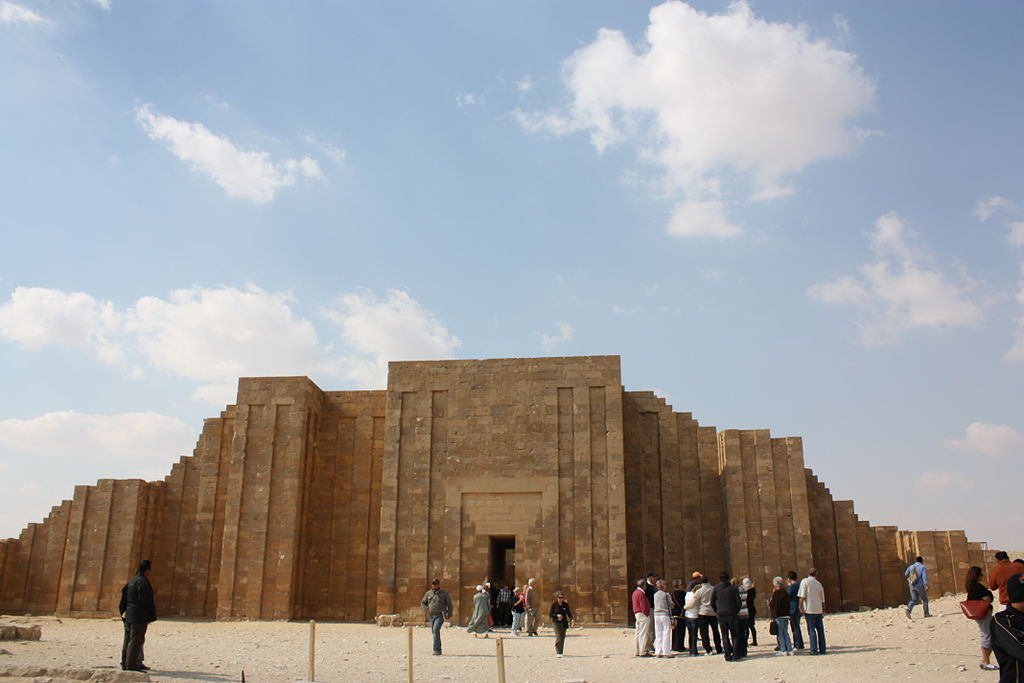 Outside the entrance to the step pyramid complex of Djoser in Saqqara, Egypt. Photo by Wknight94 / Wikimedia Commons.