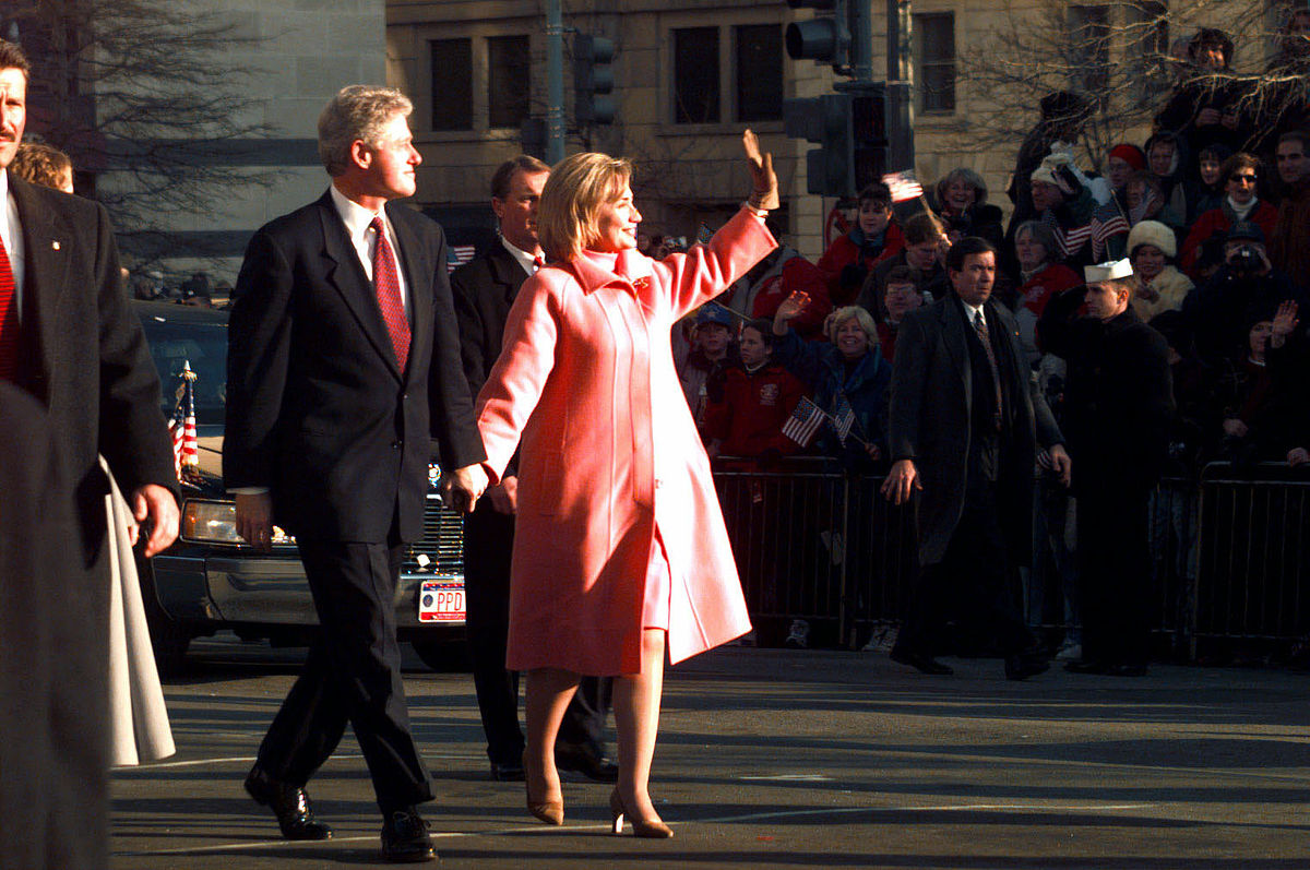 Bill and Hillary Clinton. Photo by JO3 Thomas M. Smith, Armed Forces Inaugural Committee / Wikimedia Commons.