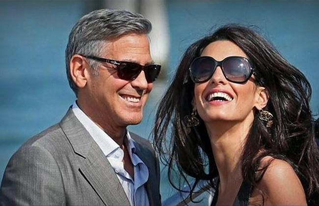 Mr. and Mrs. George Clooney (Photo courtesy of Peter Plange on Twitter)