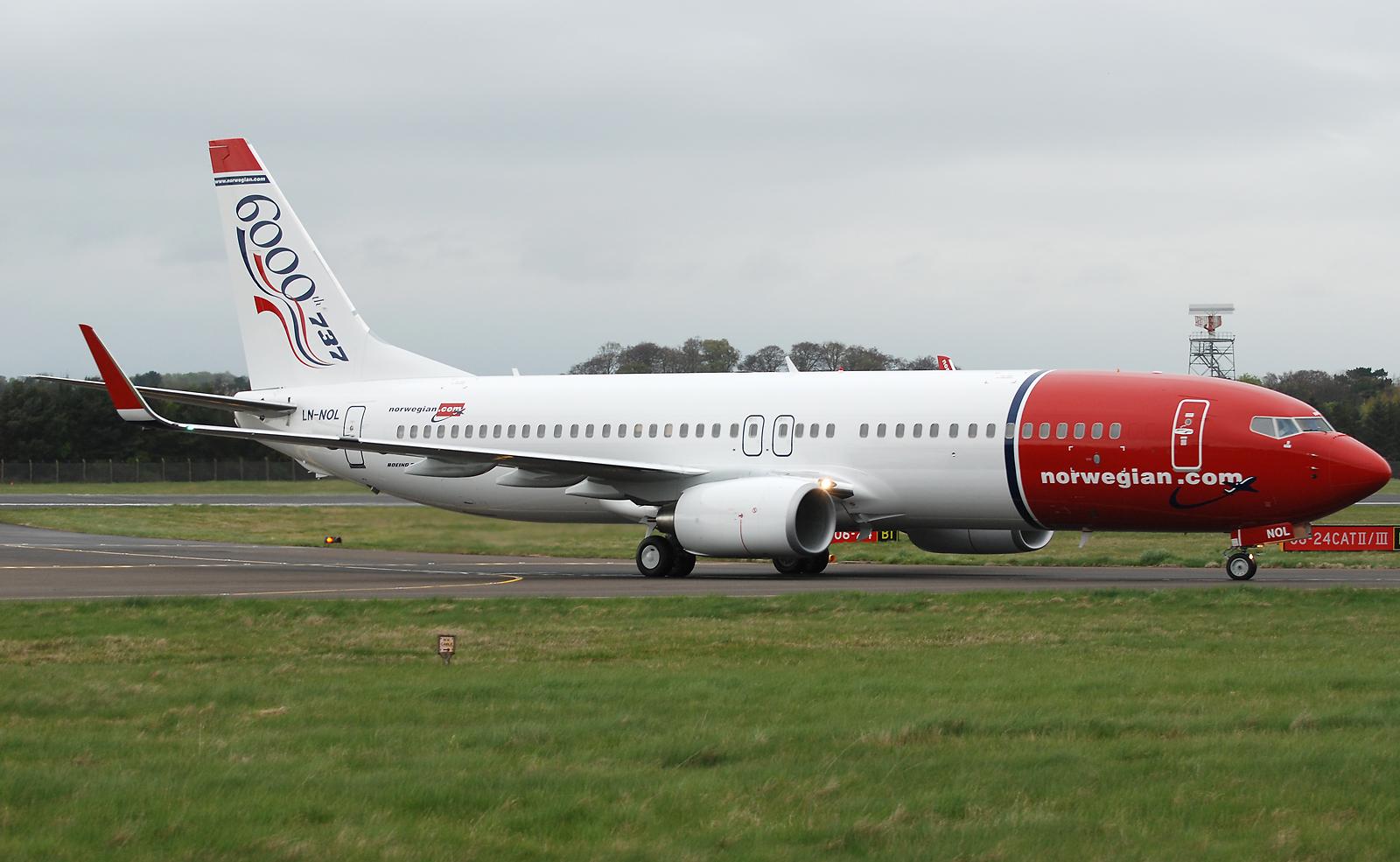 Norwegian Air Shuttle Boeing 737-8Q8. Photo by scott wright / Flickr.