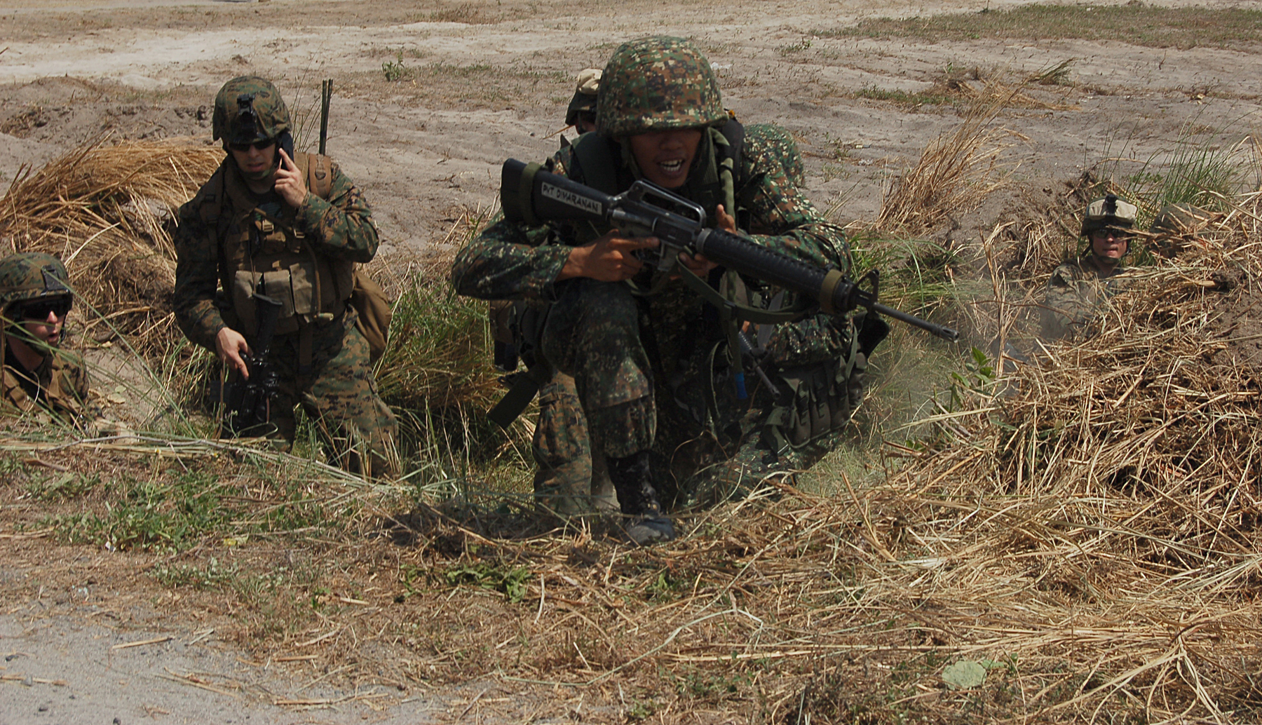 Since 2001, the Philippines and the United States have been on a campaign to battle this insurgency, known as War on Terror. In photo are Filipino and US Troops during the PMC Balikatan Exercise. Photo by Staff Sgt Marc Ayalin / U.S. Marine Corps / Wikimedia Commons.