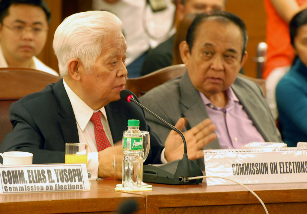 Commission on Elections (Comelec) chairman Sixto Brillantes Jr. (left) presents the proposed Comelec Budget for 2015 during the House Appropriations Committee hearing on Thursday (Sept. 4, 2014) at the House of Representatives in Batasan Hills, Quezon City. In right photo is Palawan 3rd District Rep. Douglas S. Hagedorn. (PNA photos by Gil S. Calinga)