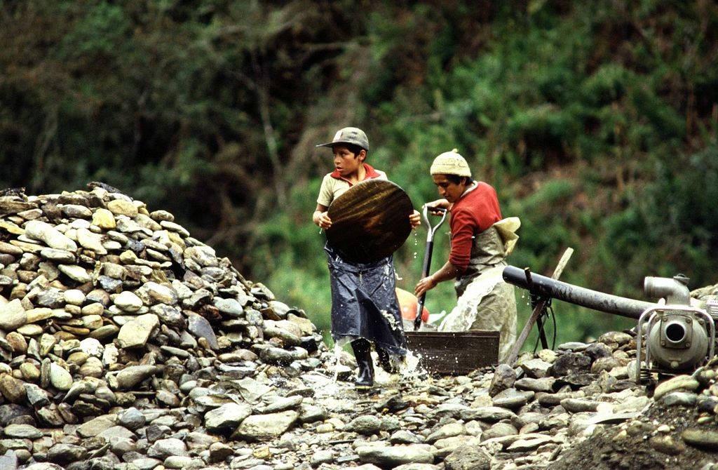 Child labor in South America. Maurizio Costanzo / Flickr.