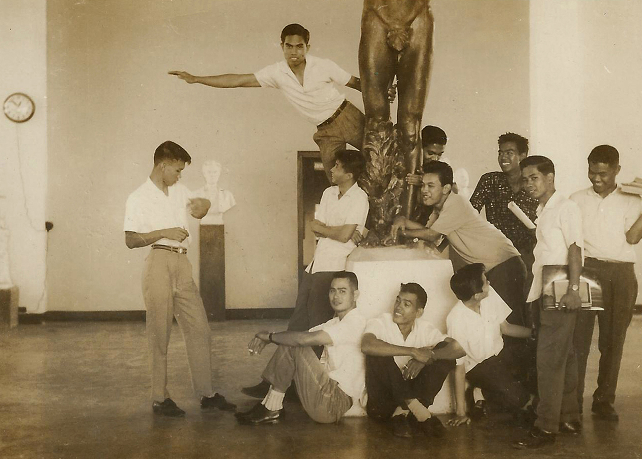 Romi (second from right) with his fellow Fine Arts students at U.P., including artists Daniel Dizon and Benedicto Cabrera.