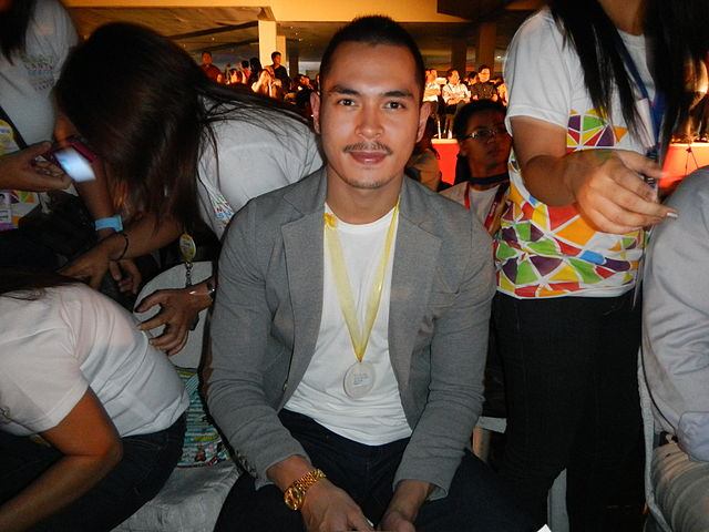 Jake Cuenca (Wikipedia photo)