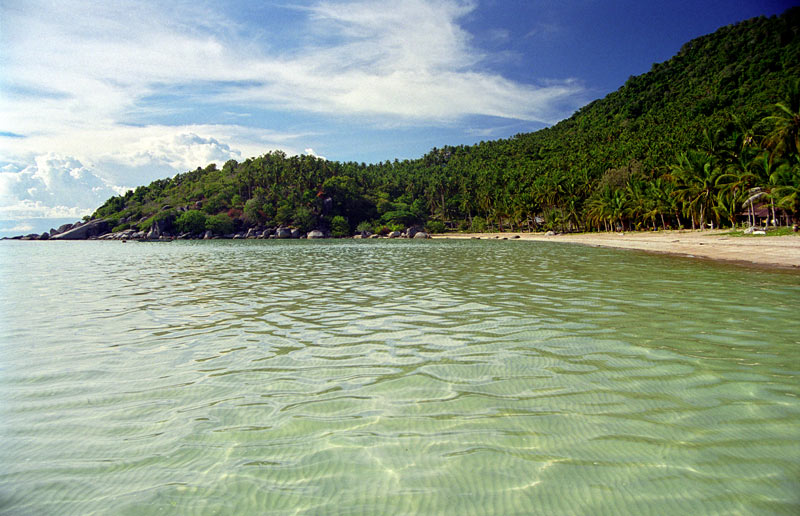 Sairee Beach in Koh Tao, Thailand. Wikimedia Commons.