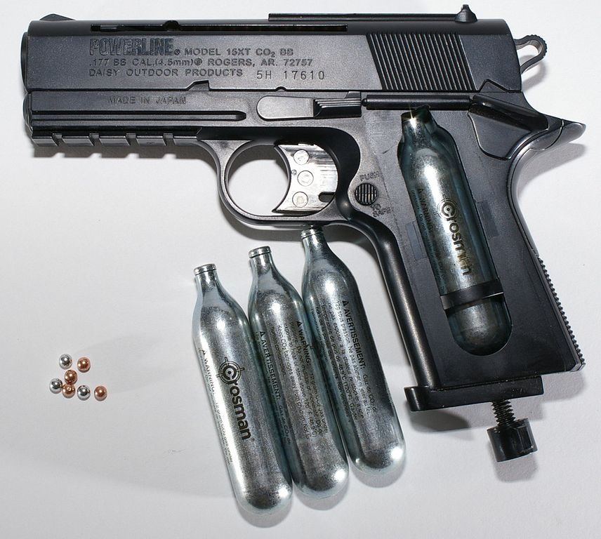 BB Pistol with CO2 cartridges and BBs. Hustvedt / Wikimedia Commons.