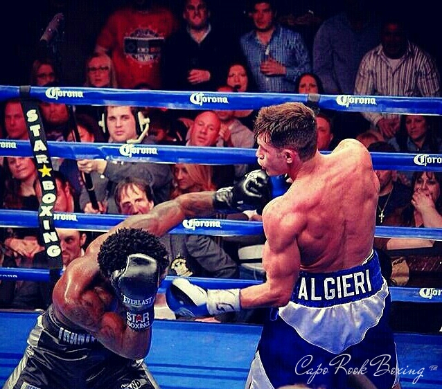 Chris Algieri in a match mid-2014. Caporook / Wikimedia Commons